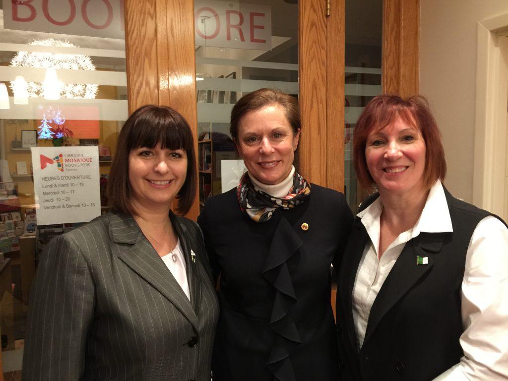 La sénatrice Lucie Moncion et la députée provinciale Marie-France Lalonde étaient au cocktail de l'an dernier.